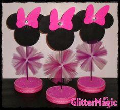 Seleção de ideias para festa infantil com tema Minnie. Sugestões de decoração para festas da Minnie.   Olá Mamães! Fiz pra vocês uma seleçã...