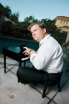 Comedians Portraits  taking requests in the key of C is prodigy Andy Richter