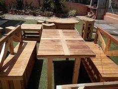 Mesa y bancos para jardin...