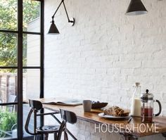 White Brick Wall in Various Rooms Related Ispiring Rustic Elegant Exposed Brick Wall Ideas Living RoomHow to Create a Fake Brick Wall DIY Painted Brick Walls, Brick Accent Walls, White Brick Walls, White Bricks, Brick Interior, Interior Design Kitchen, Brick Cafe, Brick Veneer Wall, Brick Wall Kitchen