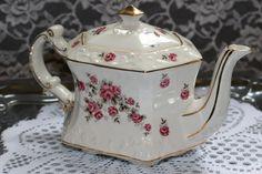 Vintage 1950s Wood & Sons England Rose Teapot by TresorsEnchantes