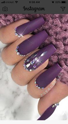 Nail art Christmas - the festive spirit on the nails. Over 70 creative ideas and tutorials - My Nails Glam Nails, Bling Nails, Beauty Nails, Fun Nails, Bling Nail Art, Nice Nails, Rhinestone Nails, Simple Nails, Hair Beauty