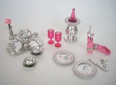 Dollhouse Furniture Kits, Barbie Furniture, Antique Dolls, Vintage Dolls, Doll Accessories, House Accessories, Sindy Doll, Barbie Dream House, Madame Alexander Dolls