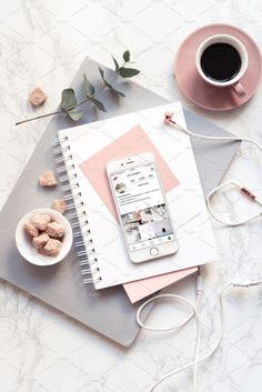 Flat Lay Photography, Book Photography, Product Photography, Marble Gold, Image Swag, Accessoires Iphone, Inspirational Wallpapers, Pink Tone, Blogger Tips