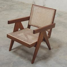 Easy Armchair / Pierre Jeanneret - Objet d' art Pierre Jeanneret, Chandigarh, Diy Furniture, Furniture Design, Outdoor Furniture, Bistro Chairs, Dining Chairs, Teak, The Doors