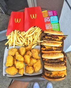 Instead Of Junk Food Snacks; Easy Snack Food Ideas unless Snack Food Synonym upon Junk Food Snacks yet Popular Junk Food Snacks List I Love Food, Good Food, Yummy Food, Yummy Snacks, Mcdonalds Recipes, Sleepover Food, Tumblr Food, Junk Food Snacks, Fast Food