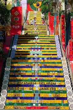 Selaron-Treppenhaus, Rio de Janeiro, Brasilien- Selaron-Treppenhaus, Rio de Janeiro, Brasilien Source by macampu Brasil Travel, Spain Travel, Brazil Vacation, Vacation Spots, Travel Tours, Travel Destinations, Brazil Beaches, Places To Travel, Places To Visit