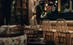 Restaurant Designs: Mama Pho Restaurant, Palm Jumeirah - Love That Design Bar Interior Design, Restaurant Interior Design, Cafe Design, Brewery Interior, Pho Restaurant, Palm Jumeirah, Modern Asian, Asian Restaurants, Hotel Interiors