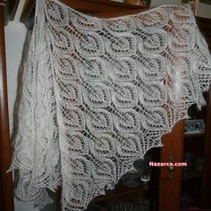 Haruni scarf construction-knitting Gail scarf model with knitting and crochet (Geyil scarf model) Br Lace Knitting Patterns, Knitting Stitches, Baby Knitting, Stitch Patterns, Knitted Shawls, Crochet Shawl, Knit Crochet, Crochet Triangle, Knit Basket