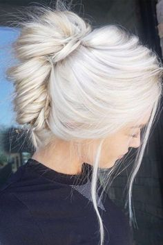 Best Platinum Blonde Hair Colors ★