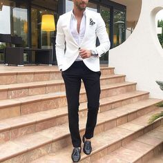Dapper outfit - white blazer and black trouser - Black And White Outfit, White Outfits, Gentleman Mode, Gentleman Style, Blazer Outfits Men, Casual Outfits, Classy Outfits, Work Outfits, Summer Outfits