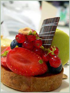 Japanese Pastries in Paris or Sadaharu Aoki - Japanese pastries in Paris . Fancy Desserts, Asian Desserts, Köstliche Desserts, Delicious Desserts, Sweet Cake Shop, Sweet Cakes, Japanese Pastries, Japanese Sweets, Sweet Pastries