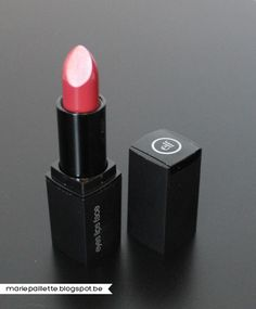 #6705 Barely Bitten http://eyeslipsface.nl/product-beauty/mineral-lipstick