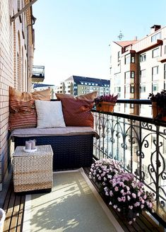 Apartment Balcony is one of the very important components permits you to remain outside and enjoy the flat outdoor space. Just a tiny apartment balcony is not a justification to maneuver on an fantastic little oasis. Apartment Balcony Decorating, Apartment Balconies, Cozy Apartment, Balcony Chairs, Balcony Furniture, Balcony Garden, Balkon Design, Outdoor Seating Areas, Small Apartments