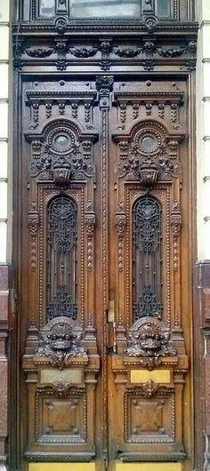 Old Door Entrance Portal Super Ideas Cool Doors, The Doors, Entrance Doors, Doorway, Windows And Doors, House Entrance, Art Nouveau, Art Deco, Porte Cochere