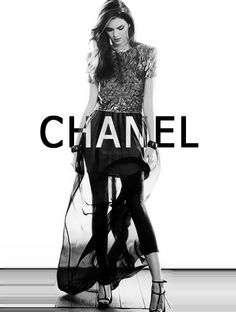 Kendall Jenner for #CHANEL. We can't help but to LOVE this Jenner sister. #fashionIcon
