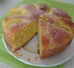 BIZCOCHO DE MANZANA (manera 2) FUSSIONCOOK: 3 huevos, 1 ½ de levadura royal, 1 yogur de manzana o limón o naural, 3 medidas de yogur de harina reposteria, 2 medidas de yogur de azúcar, 1 medida de yogur de aceite girasol, ralladura de 1 limón. A esta masa añadir 2 manzanas en trocitos y ya vertido en la cubeta una capa de manzana en laminas. Menu cake. Tostar en horno poniendo encima azucar y un poco de canela o tapa horno a 180º 6-7 mn.