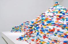 Satoshi Hirose// Plastic bottle cap art