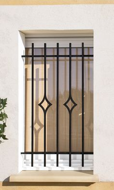Window Grids: Get to know project materials and ideas, Iron Window Grill, Window Grill Design Modern, Grill Door Design, Door Gate Design, Railing Design, Window Design, Iron Windows, Iron Doors, Metal Windows