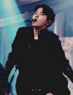 ♥ ★ This is why he's my bias oh god ♥ ★ Jung Hoseok, Foto Bts, Bts Photo, Gwangju, Bts Boys, Bts Bangtan Boy, Namjoon, Taehyung, J Hope Twitter