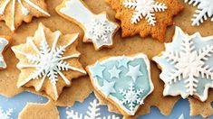 Süssünk mézeskalácsot! Íme a tökéletes recept! - Blikk.hu Christmas Leaves, Christmas Sale, Christmas Cookie Cutters, Christmas Cookies, Simply Stamps, Fondant Icing, Creative Food, Favorite Holiday, Gingerbread Cookies