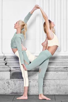 @sjanaelise is featured in Elite Long Sleeve Top and High-Waist Cosmic Capri and @gypsetgoddess is featured in the Ethereal Bra and Entwine Legging #aloyoga #beagoddess