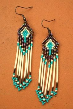 I love the Native American feel the neutral tones and turquoise give these. I love working with seed beads, so I'll have to try something like this!