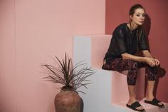 Shop the Sweaty Betty range of high quality Women's Gym, Yoga & Running T-Shirts. Find the perfect T-Shirt for your workout wardrobe at Sweaty Betty. Athleisure Fashion, Sweaty Betty, Summer Wardrobe, Wide Leg Pants, Short Sleeve Tee, Warm Weather, Leather Skirt, Running, Tees