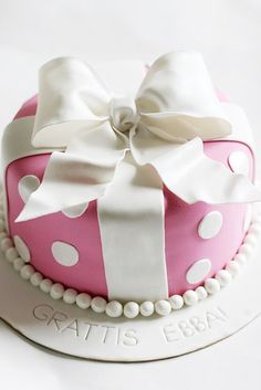 If I could bake, I'd have made you this for your birthday.......but this one here is non-caloric....providing you don't make it and eat it....