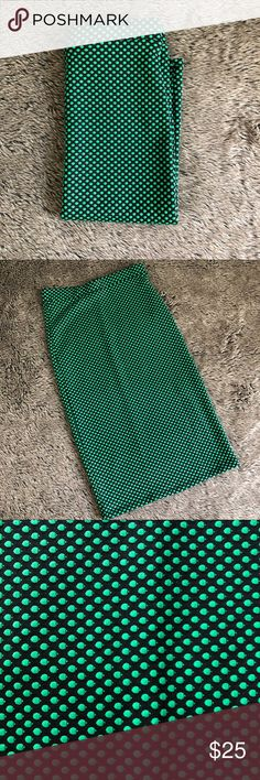 Polka dot pencil skirt Bran new without tags!! Super great, stretchy, ADORABLE green polka dot pencil skirt. Perfect for a work day or going out with the girls. Wear it with a heel or booties, an oversized sweater or tucked in blouse. Skirts Pencil