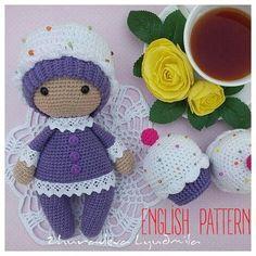 Amigurumi cupcake baby doll
