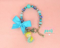 #elsa #frozen bracelet with  handmade polymer clay charms <3 #gambizzlejewels