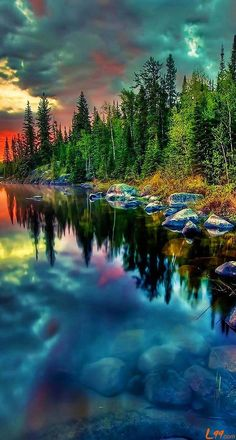 The color of nature, always beyond our imagination | mirror-like lake reflections.
