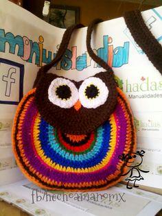Bolsa tejida a crochet en forma de buho mas modelos disponibles en www.facebook.com/hechoamanomMX