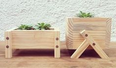 Diy Furniture Projects, Diy Pallet Projects, Woodworking Projects Diy, Wood Projects, Diy Wooden Planters, Wooden Diy, Vase Crafts, Wood Crafts, Decorated Flower Pots
