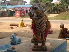 Harness the worship of tigers to protect him http://indianwildlifeclub.com/Ezine/View/Details.aspx?aid=1021…