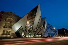 The Royal Ontario Museum project set out to renovate ten new galleries in the existing historical building and creating an extension to the museum, now called the Michael Lee-Chin Crystal.