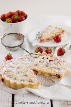 Erdbeer-Cheesecake-Pie mit Zitrus-Streuseln