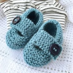 Keelan - Chunky Strap Baby Shoes Knitting pattern by Julie Taylor Baby Knitting Patterns, Baby Booties Knitting Pattern, Knit Baby Shoes, Knit Baby Booties, Christmas Knitting Patterns, Arm Knitting, Double Knitting, Baby Patterns, Crochet Patterns