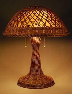 844: A HEYWOOD-WAKEFIELD VINTAGE WICKER TABLE LAMP ear ...