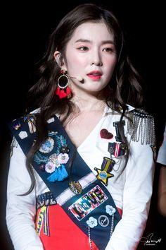 180922 Redmare Concert in Taipei Red Velvet Seulgi, Red Velvet Irene, Kim Yerim, Korean Girl Groups, Girl Photos, Cute Boys, Kpop Girls, Red And White, Girly