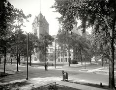Detroit, Michigan, circa 1915. Old Central High School. Now that's a high school. Not the postmodernist socialist prison look they use now to inspire kids.