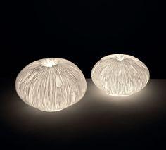 Lampade O1316-O1315    lampade 'space' in arenaria  colore: bianco  dimensioni: 30x18,5 , 35x23
