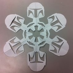 Star Wars snowflakes?! The imagination of man is just such an amazing place.  These are too friggin cool.  PS (they show you how to make them too!)