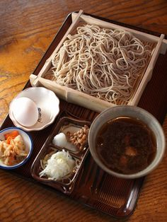 Japanese soba noodles with dipping sauce 蕎麦