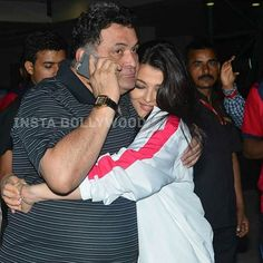 Aishwarya Rai Bachchan greets Rishi Kapoor Ji with a hug at Pro Kabaddi League match. Rishi Kapoor will be playing Abhishek's father in the movie All is Well, which releases on August. Aishwarya Rai Photo, Actress Aishwarya Rai, Aishwarya Rai Bachchan, Bollywood Actress, Amitabh Bachchan, Famous Celebrities, Bollywood Celebrities, Beautiful Celebrities, Bollywood Stars