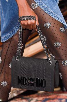 Moschino at Milan Fashion Week Fall 2016 - Moschino at Milan Fall 2016 (Details) Source by dchighfashion - Hermes Handbags, Burberry Handbags, Fashion Handbags, Purses And Handbags, Fashion Bags, Milan Fashion, Cheap Handbags, Fall Fashion, Leather Handbags