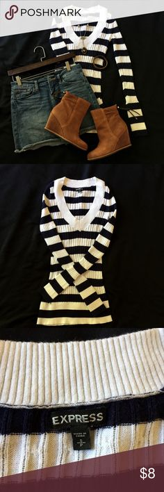 """EXPRESS long sleeve top Used in good condition long sleeve top made of 55% cotton 35% rayon 7% nylon fitted hugs the body shoulder to hemline 27"""" sleeve length 27"""" great for layering during cold weather and by itself during spring time Express Sweaters Crew & Scoop Necks"""