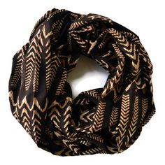 Illusion Waves Infinity Scarf by Meghna Dave - always wanted an infinity scarf :) Playing Dress Up, Passion For Fashion, Dress To Impress, Fashion Forward, Fashion Beauty, Woman Fashion, Style Me, Autumn Fashion, Fashion Accessories