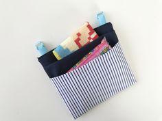 移動ポケットの作り方【型紙あり】サッと取り出せるフタ無し簡単2タイプ | きになるのーと Diy And Crafts, Coin Purse, Wallet, Purses, Sewing, Handmade, Bags, Dressmaking, Handbags